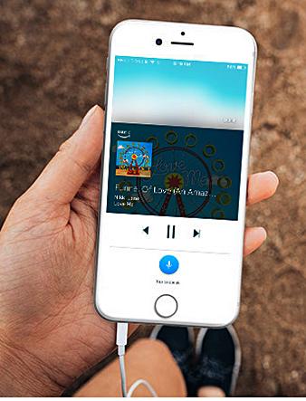 iPhone mit Alexa Bild Amazon